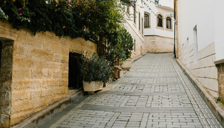 History Of Cobbles & Their Uses In Construction